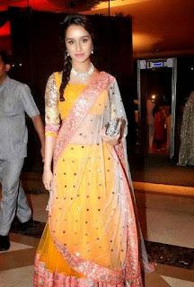 Shraddha Kapoor in Manish Malhotra , Manish malhotra Blouse, Manish malhotra Choli, Blouse deisgn by manish malhotra