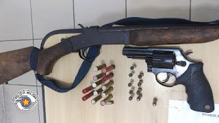 Polícia Militar prende homem de 53 anos com armas suspeito de praticar diversos furtos em Iguape
