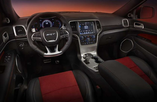 2017 interior Jeep Grand Cherokee SRT