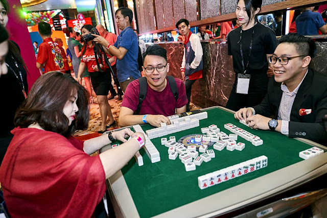 To liven up the CNY festive mood, guests mingled and had fun as they tried their hand at the electronic mahjong tables that auto shuffles tiles for convenience and hassle-free enjoyment.