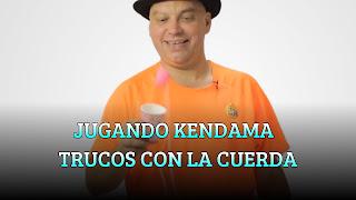 JUGANDO KENDAMA TRUCOS CON LA CUERDA