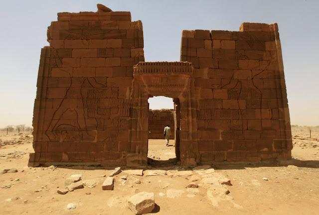 اهرامات,مروي,السودان,الصحراء,الفراعنة