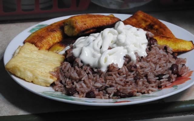 El costo de un desayuno tpico en Nicaragua  Recetas 100