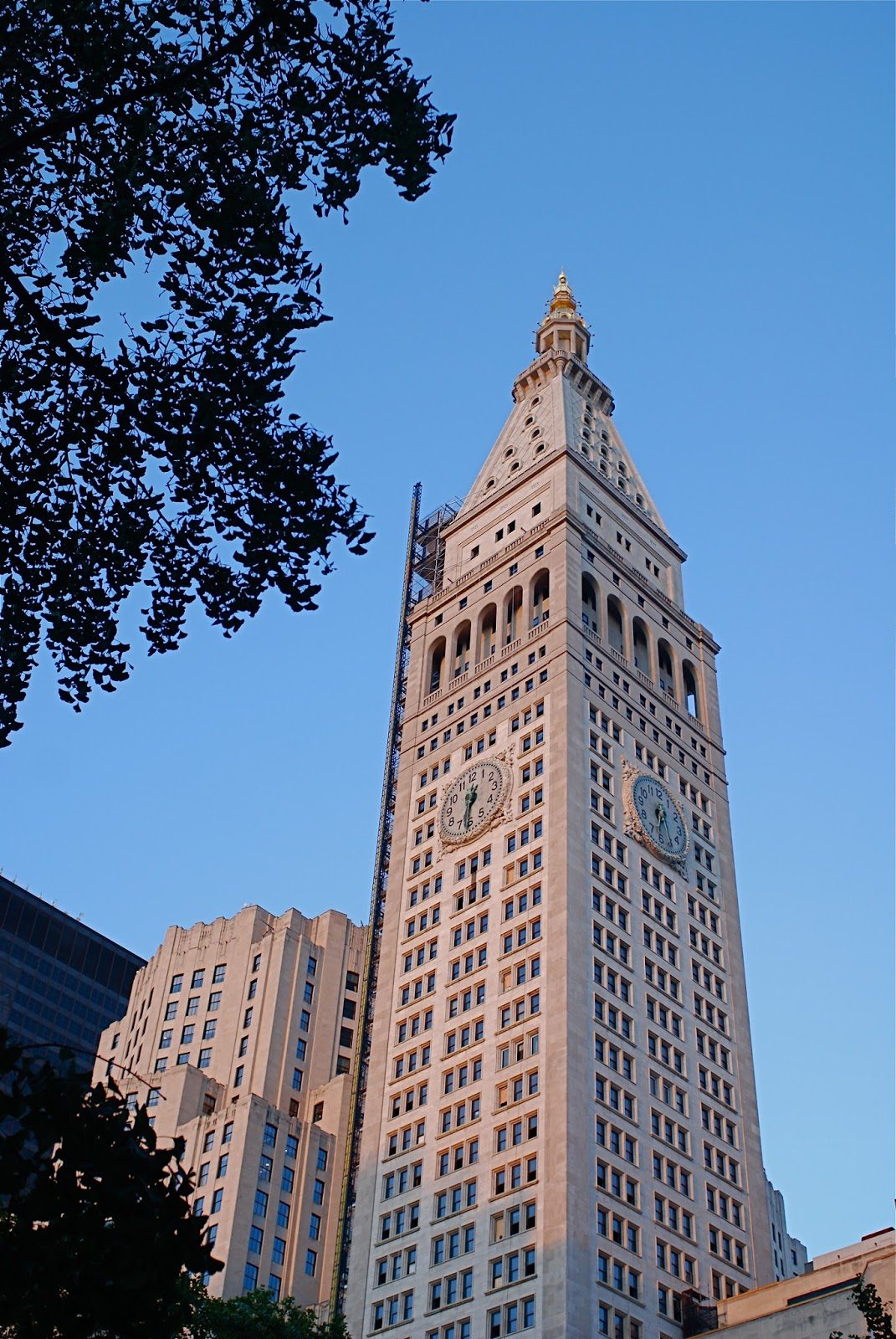 Metlife Life Insurance >> NYC ♥ NYC: The Metropolitan Life Insurance (MetLife) Tower and its Playful Sculptural ...