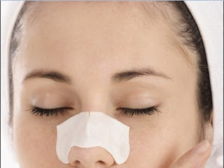 How to Remove Blackheads On Nose With Scrub