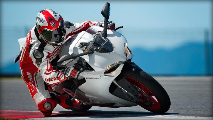 Ducati Workshop Manuals Resource  Ducati Superbike 899