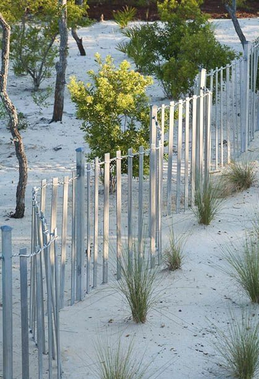 Beach Fence Garden Landscaping Idea