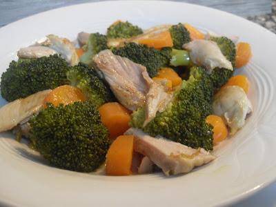 Brócoli con pollo asado