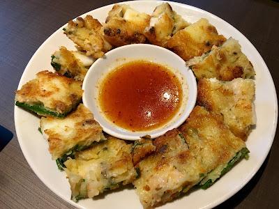 韓国料理KollaBoの海鮮チヂミ