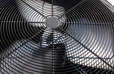 Die Sommerhitze Ist Angekommen, Aber Die Heißesten Wochen Sind Noch Zu  Kommen. Ist Ihr Klimatisierungssystem So Kühl Wie Es Im Letzten Jahr War?