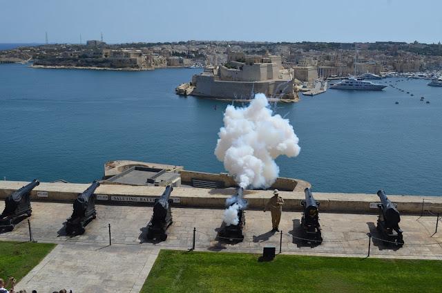 tiro de canhão do The Saluting Battery