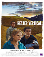 Rester Vertical (Staying Vertical) (2016)