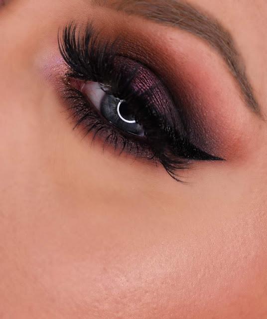 """Norvina Dark Smokey Eye + Stila Highlight """"Incandescence"""" on my cheek bone"""