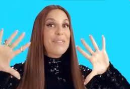 Ivete Sangalo canta tema de abertura de Haja Coração