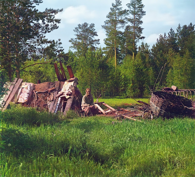 Leo Tolstoy in the picture of Prokudin-Gorsky: a restoration option