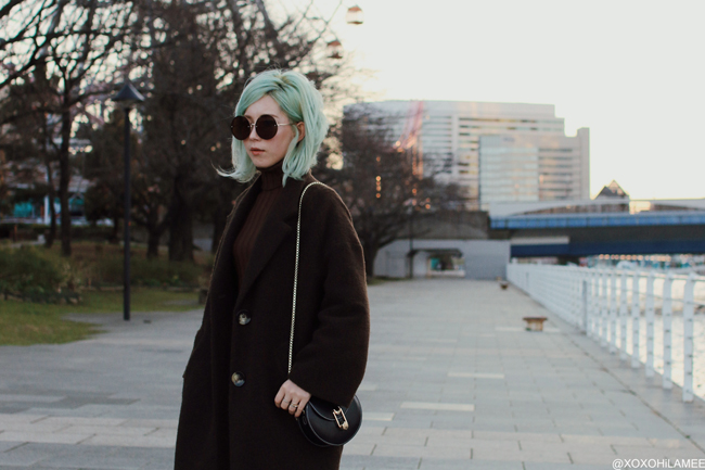 Japanese Fashion blogger,MizuhoK,20190309 OOTD, ZARA=brown long coat, SHOPLIST=turtle neck knit top, GU=knit wide leg pants, FLINT BY FOXLANE COLLECTIVE=round bag, Rakuten=V cut pump mules, zeroUV=round sunglasses