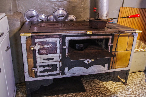 Antichi mestieri la fornas la che stata la cucina for Vendita cucine a legna usate