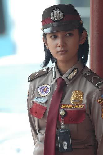 cewek tidak sopan polisi wanita cantik