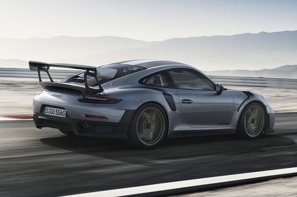Porsche 911 GT2 RS 2018