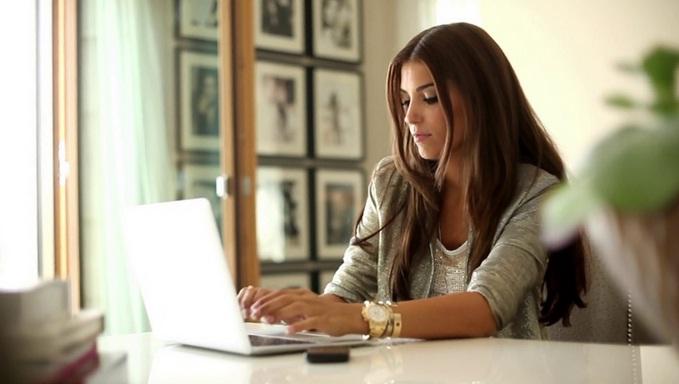 Workout While You Work? image source via knote.com