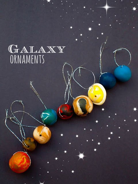 How to make outer space planet ornaments for Christmas- Such a fun STEAM craft to do with the kids!