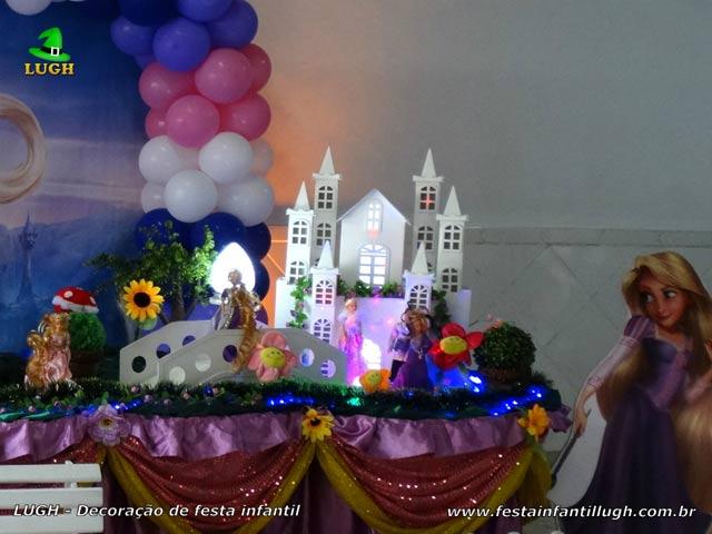 Decoração mesa de festa infantil Os Enrolados