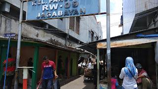 Satpol PP Kota Cirebon Tertibkan Bangunan Liar Di Jagabayan
