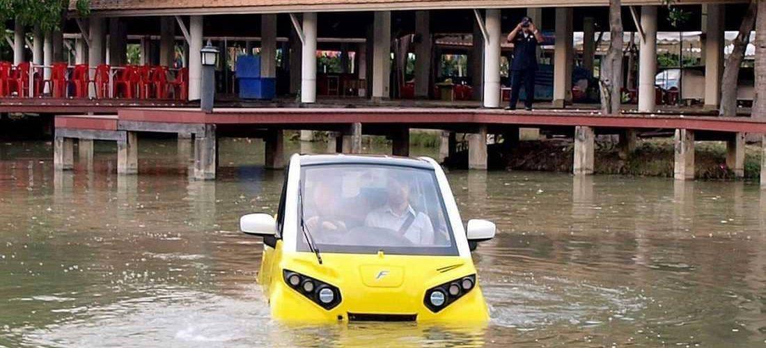 سيارة مخصصه لمواجهة اعاصير تسونامي في آسيا