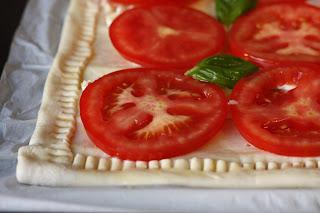 Lisnato tijesto sa brie sirom i povrćem