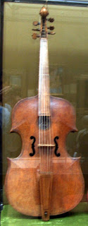 An example of a Gasparo violin