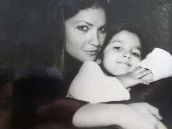 Pooja Bhatt and Alia Bhatt - Childhood Picture