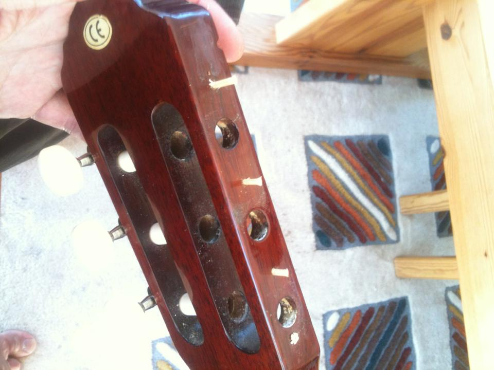 laga stämskruv gitarr