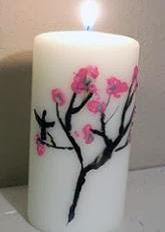 http://todomanualidades-admin.blogspot.com.es/2011/05/velas-pintada-con-crayones.html