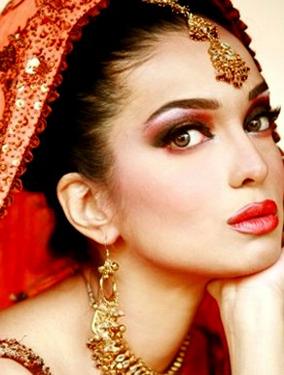 Amna Haq Latest pics
