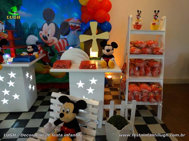 Decoração de mesa de aniversário tema do Mickey