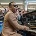 John Legend surprises London fans with mini-concert at a train station [VIDEO]