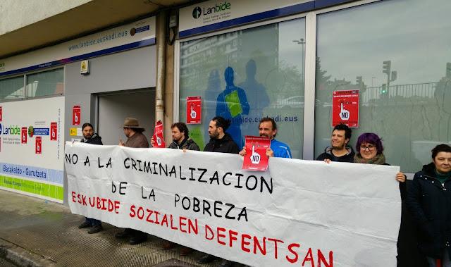 protesta de Berri-Otxoak contra la huella digital de Lanbide