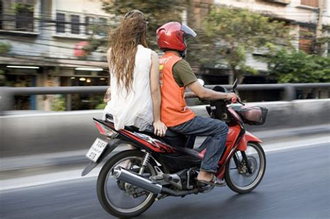 bangkok nightlife,taxi bangkok,motorbike taxi bangkok,motorcycle taxi bangkok,bangkok travel,how to use a taxi in bangkok,bangkok driving,bangkok thailand bike taxi