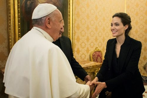 A special moment: Angelina Jolie presented to the Pope's hand