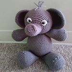 http://www.ravelry.com/patterns/library/amigurumi-elephant-18