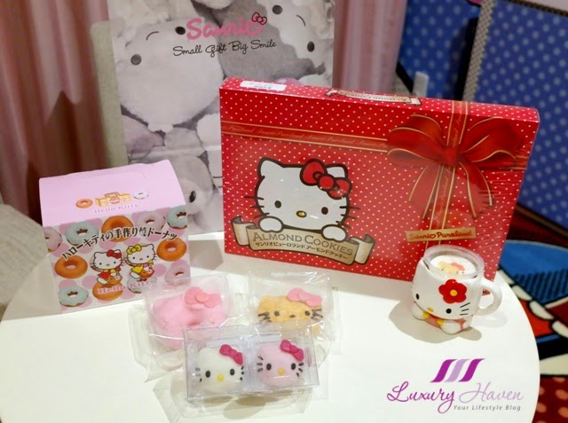 keio department store hello kitty almond cookies