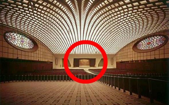 Wieso Sieht Die Audienzhalle In Rom Wie Eine Schlange Aus