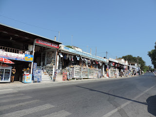 crete highlights tour knossos souvenir shops