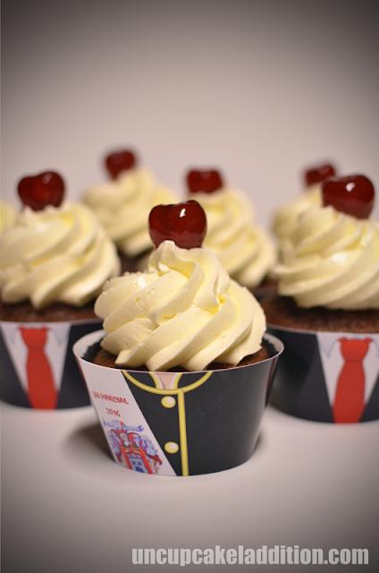 Cupcakes de San Marcial : la Cantinera escoltada por la Infantería.