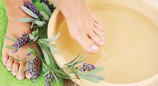 Manfaat terapi air putih hangat