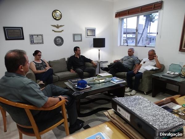 Secretário de Educação de São Pedro da Aldeia realiza reunião com a Marinha do Brasil para estreitar laços