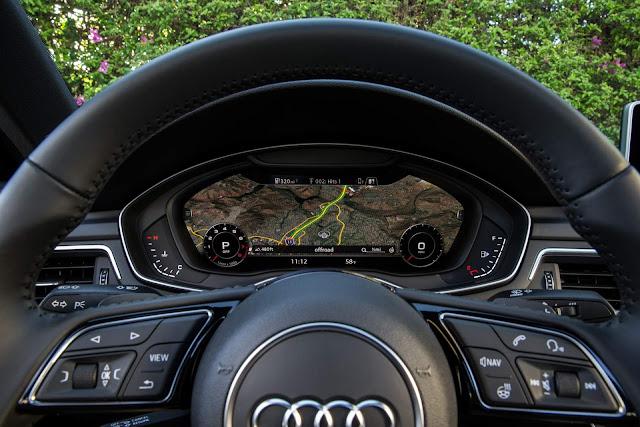 Audi A4 - painel digital