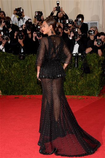 Who Wore What Met Gala 2014 Beyonce In Givenchy