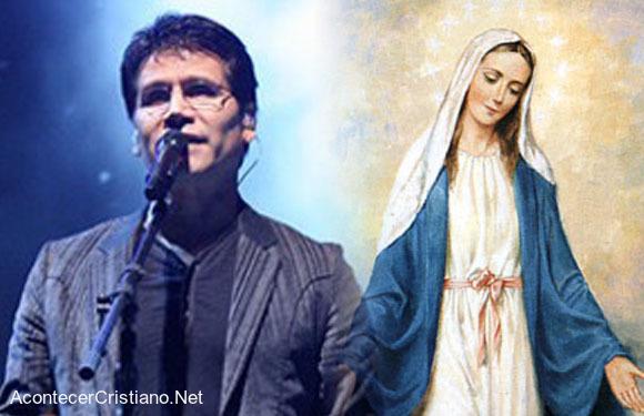 Jesús Adrián Romero y la Virgen María