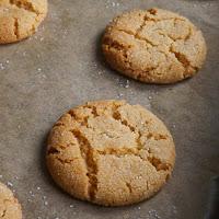 http://www.bakingsecrets.lt/2015/11/medaus-sausainiai-honey-cookies.html